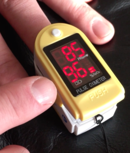 demonstrational image of how to use your pulse oximeter to check oxygen levels